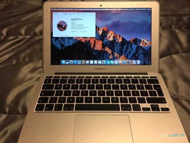 MacBook air 11.6′ CTO